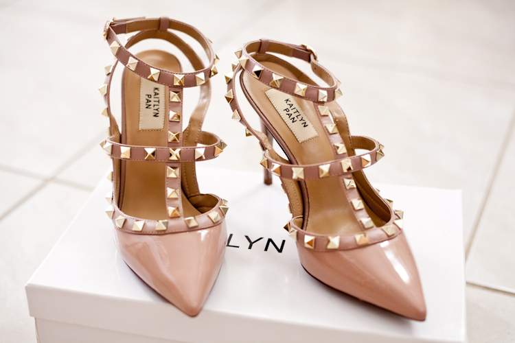 Valentino's Rockstud is a gorgeous heel priced at $995. We found the perfect genuine leather and lambskin dupe for only $109! Read the full review and find out where to buy here. - www.theballeronabudget.com