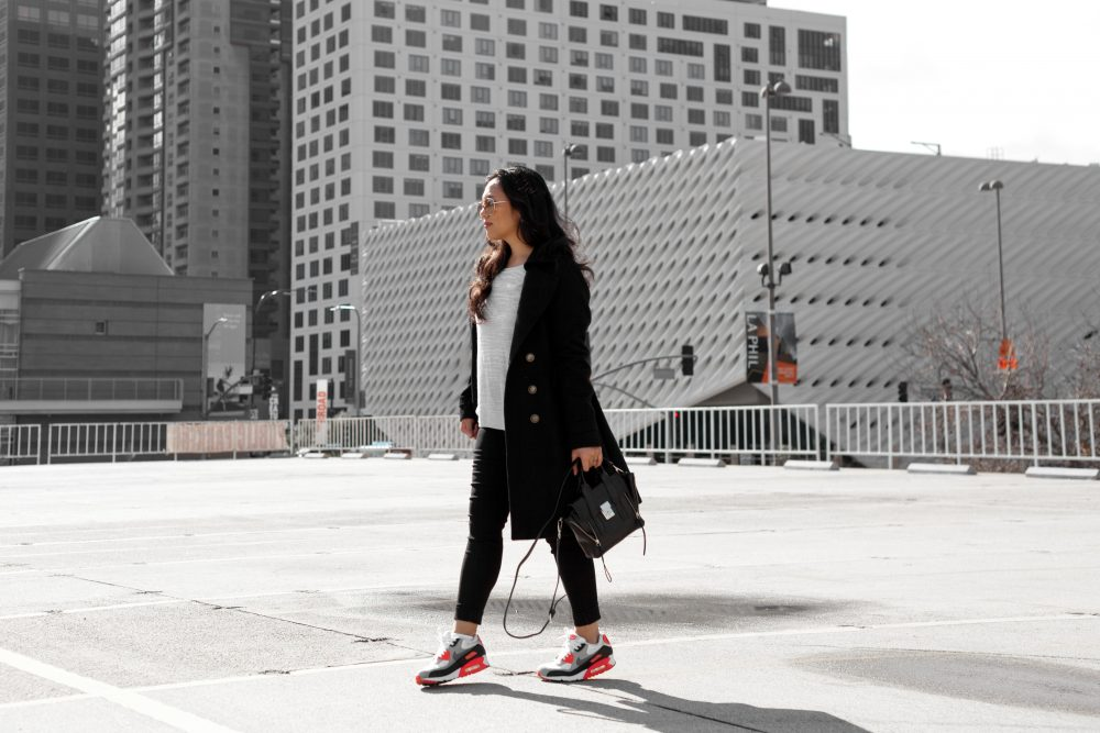 Shop the look - Coat: $49, Sweater:$14.90, Pants:$19.90, Nike Air Max 90: $120, Sunglasses: $9.99, Handbag: $57.20 - www.theballeronabudget.com