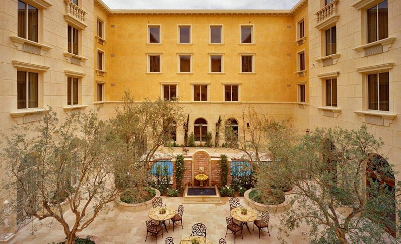 Looking for a luxurious hotel during your stay in California? The Ayres Hotel Collection features several properties across Southern California, all with affordable price tags. - www.theballeronabudget.com