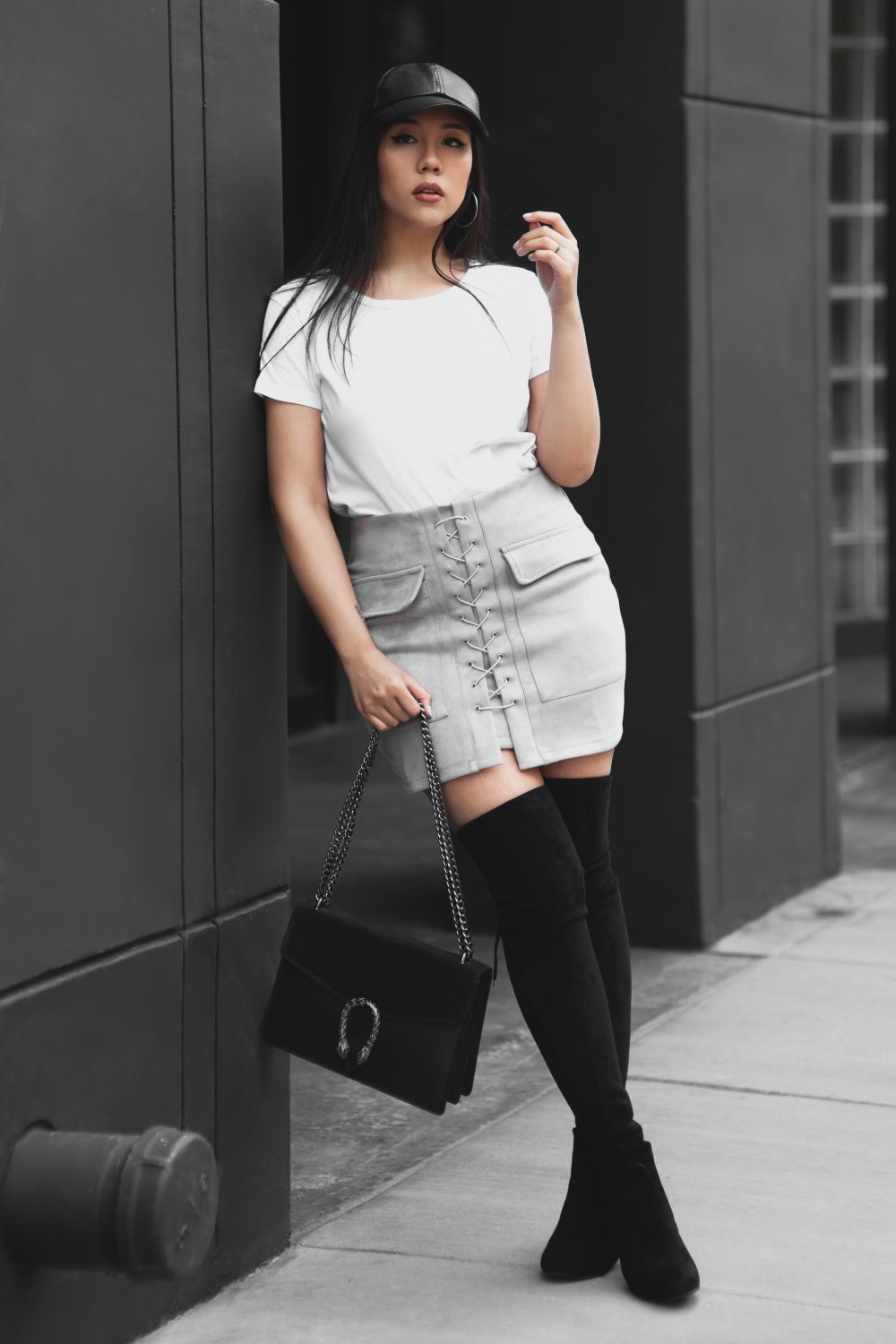 Shop the look- T-shirt: $3.00, Skirt: $11.99, Italian Leather Handbag (dupe for Gucci's $1,350 Dionysus bag): €79.95, Hat: $10.99, Over-the-Knee Boots (Dupe for Stuart Weitzman's $798 Highland boot): $99 - www.theballeronabudget.com
