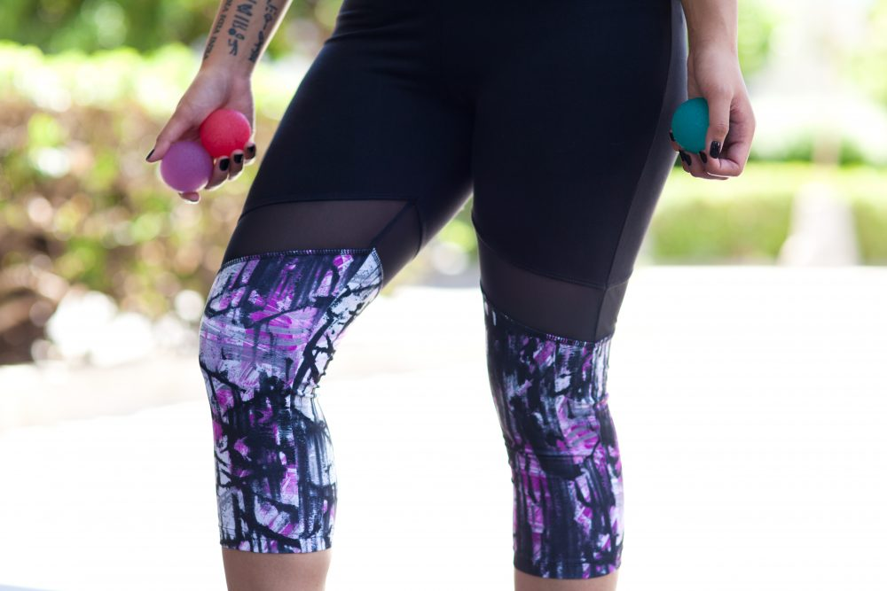 Ellie is a fitness subscription box that includes 5 workout items for $49.95. Every month, you get a full activewear outfit including a sports bra, a top, bottoms and 2 pieces of equipment.