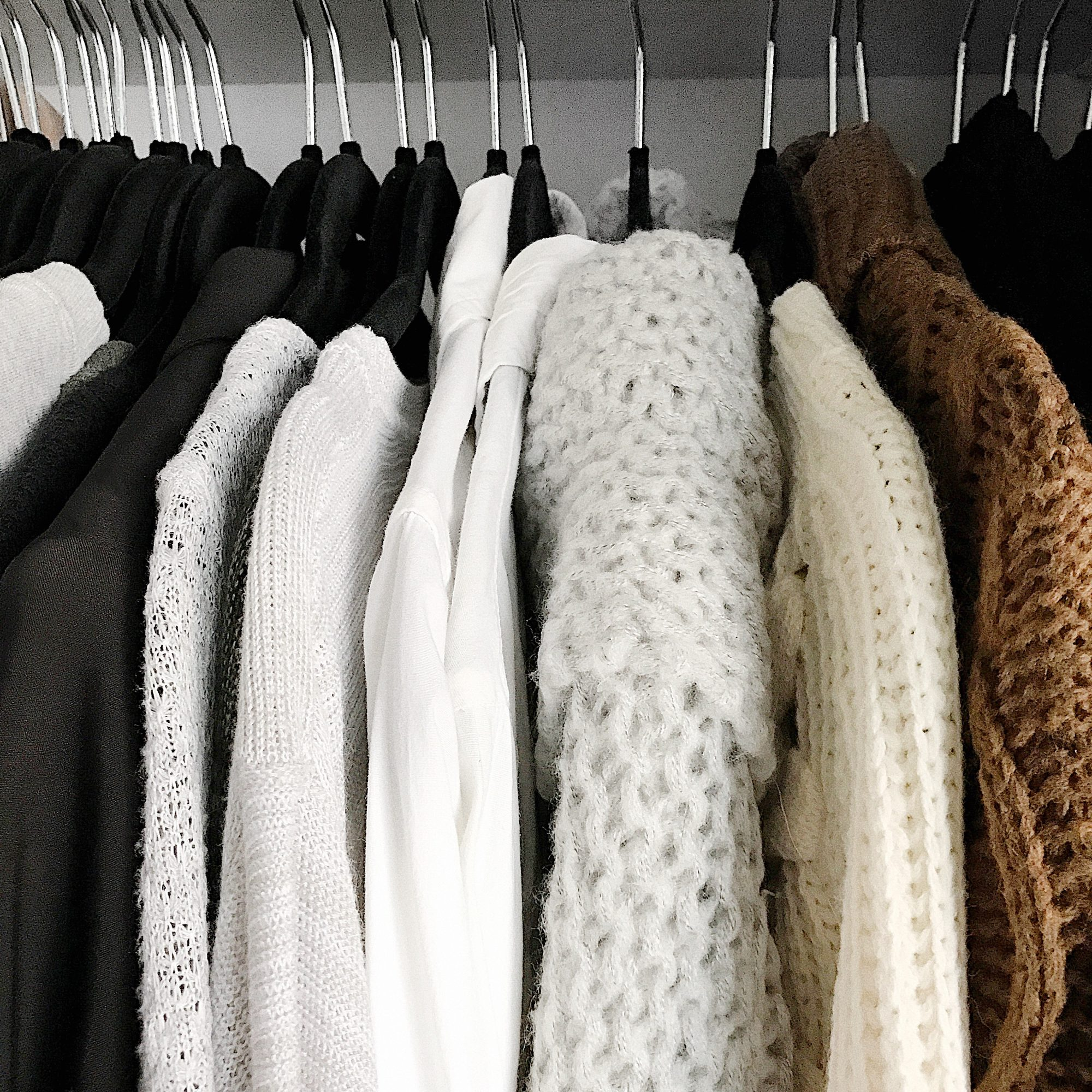 "Want that ""new year, new me"" vibe without tossing out your entire closet and buying a new wardrobe? Here are 10 budget-friendly ways to spice up your current wardrobe. - www.theballeronabudget.com"