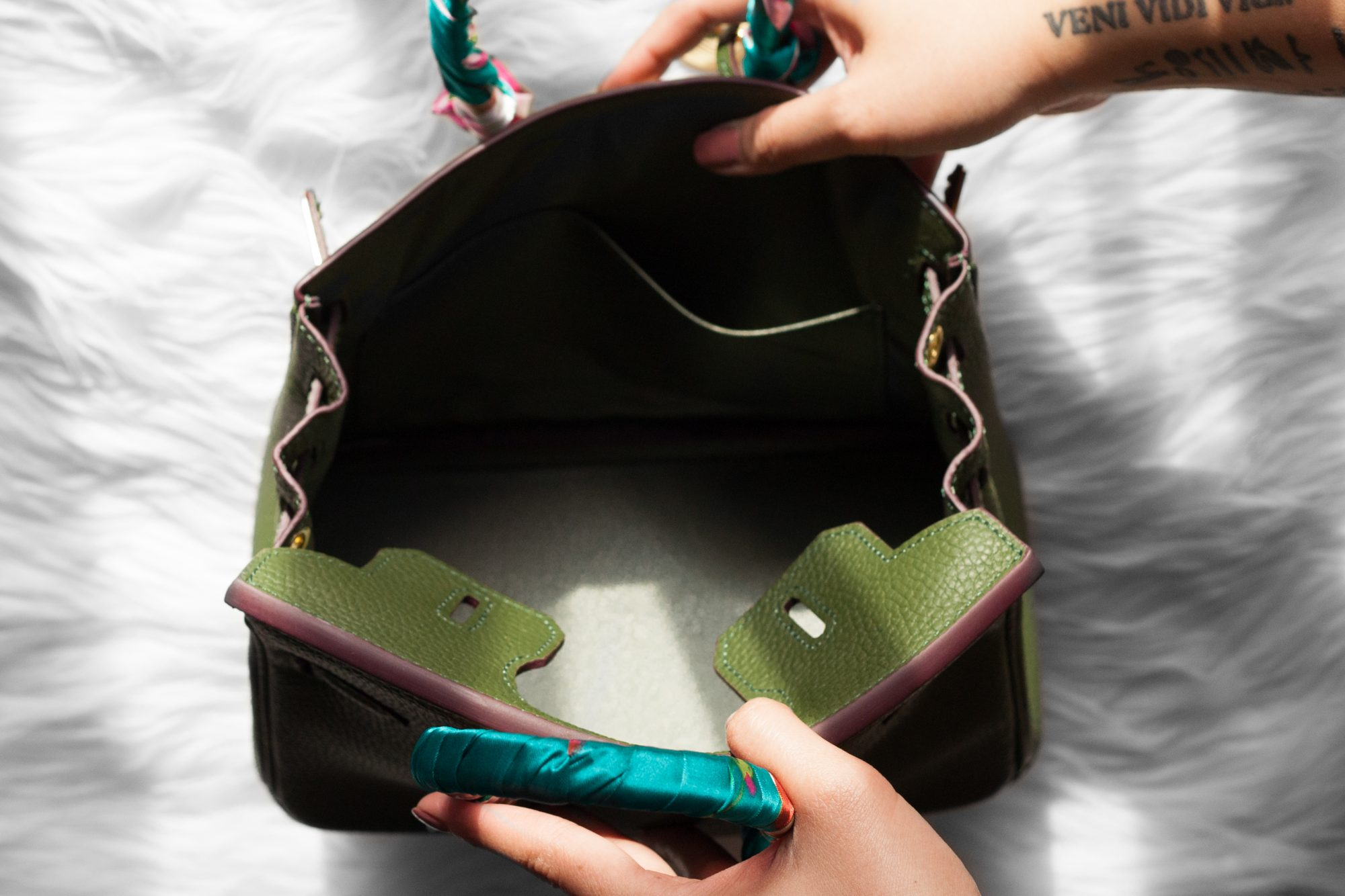 d86e865bbc49 Want the famous little bag that Kendall and Kylie Jenner sport for less