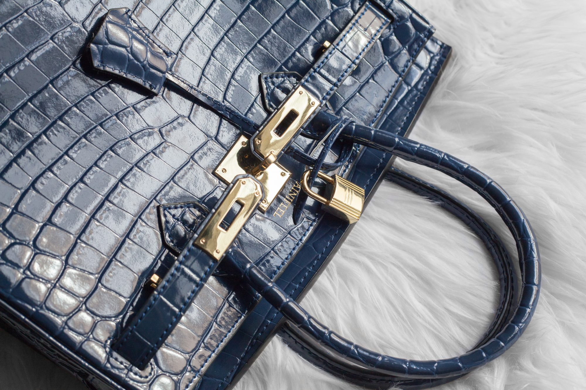 769506519298 Did you know that a pre-owned crocodile Hermés Birkin can start at  55