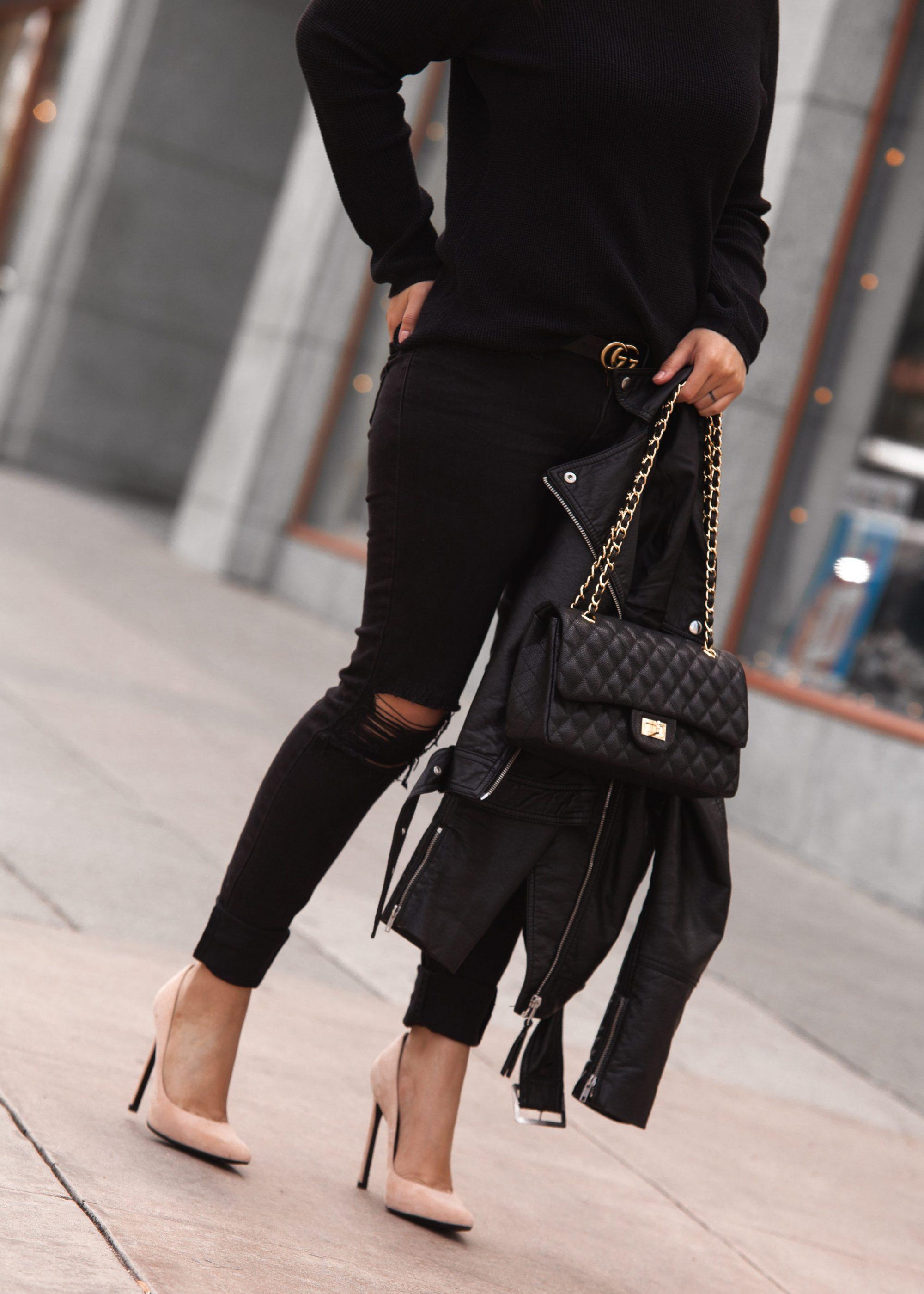 Stuart Weitzman 110 cm Suede Queen Heels: Originally $385, now $231, reduced $184.80 after extra 20% off. - www.theballeronabudget.com
