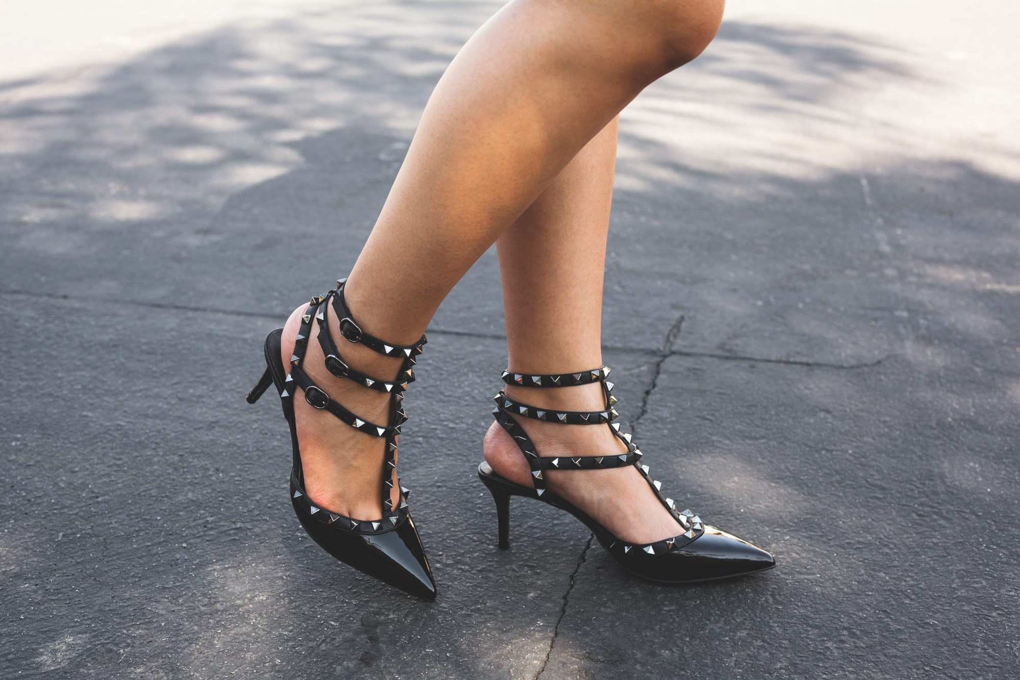 Valentino's Rockstud kitten heel is a gorgeous heel priced at $995. Can't afford it? Here's perfect genuine leather and lambskin dupe for only $115! - www.theballeronabudget.com